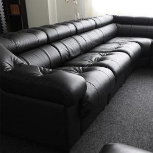 張り込んだタイプのソファー